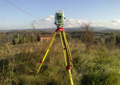 Altimetric reading with motorized total station